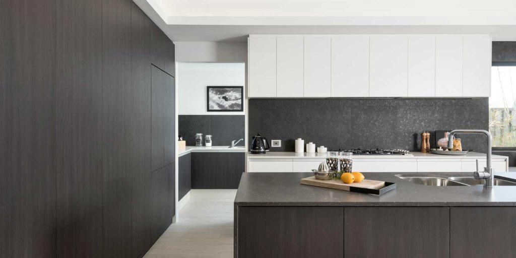 Kitchen splashback tile - black ceramic